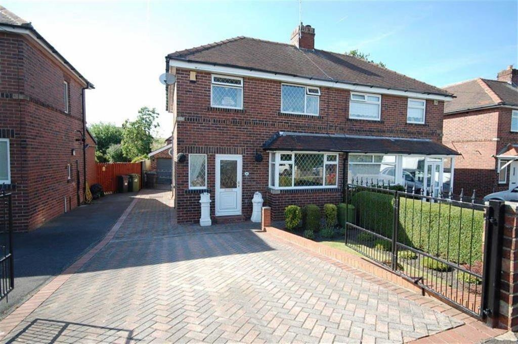 3 Bedrooms Semi Detached House for sale in Leeds Old Road, Heckmondwike, WF16