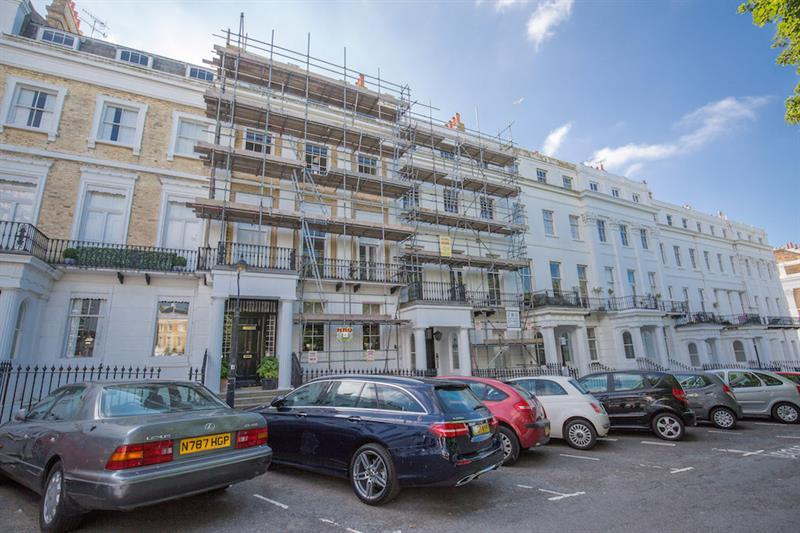 2 Bedrooms Flat for sale in Sussex Square, Kemp Town, Brighton