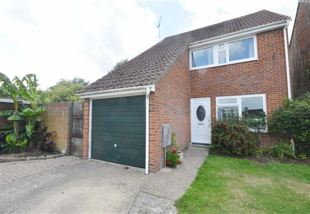3 Bedrooms Detached House for sale in Cerne Close, Bournemouth, Dorset, BH9