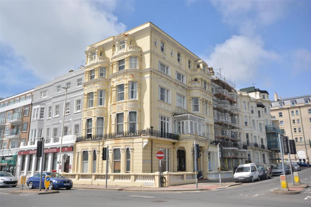 2 Bedrooms Flat for sale in Warrior Square, St. Leonards-On-Sea