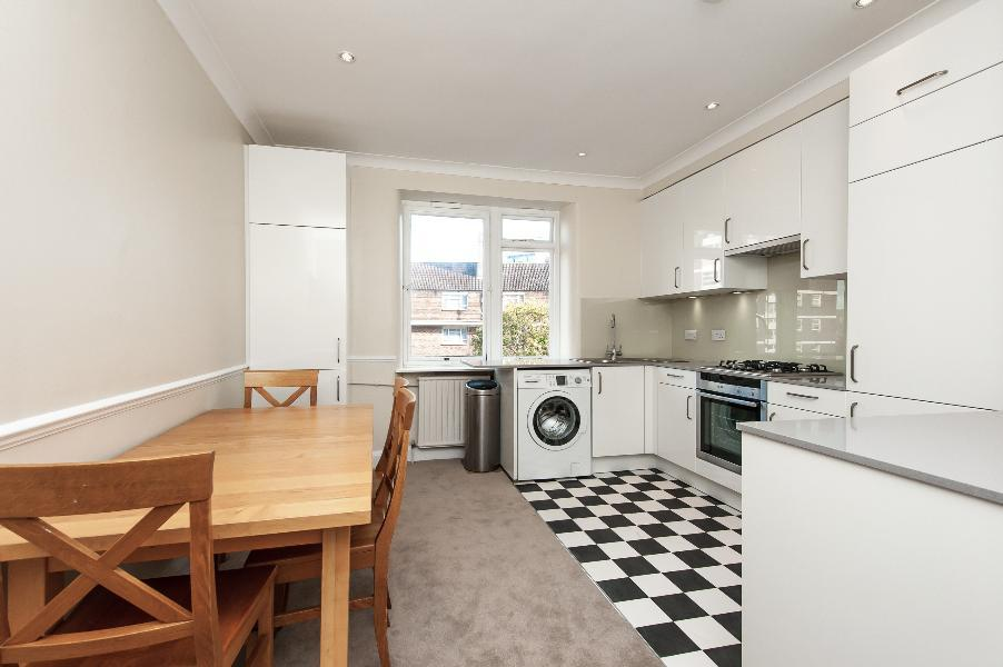 2 Bedrooms Apartment Flat for sale in ST GEORGE'S SQUARE, SW1V