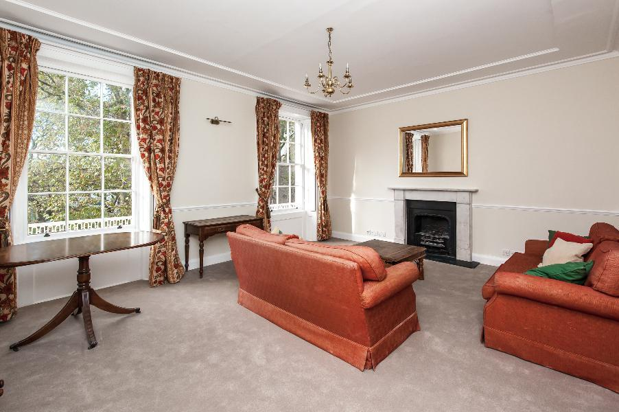 2 Bedrooms Apartment Flat for sale in ST. GEORGE'S SQUARE, SW1V