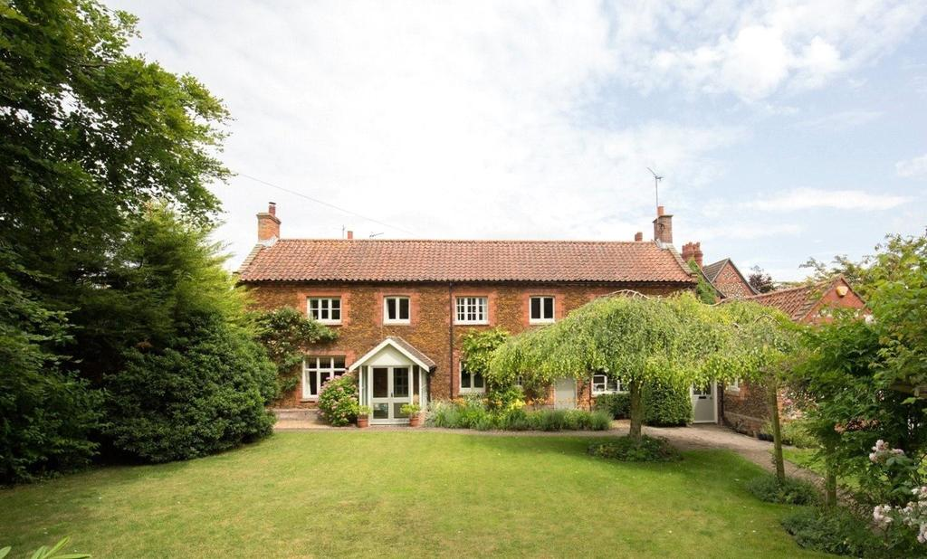 4 Bedrooms Semi Detached House for sale in Church Road, Flitcham, Norfolk, PE31