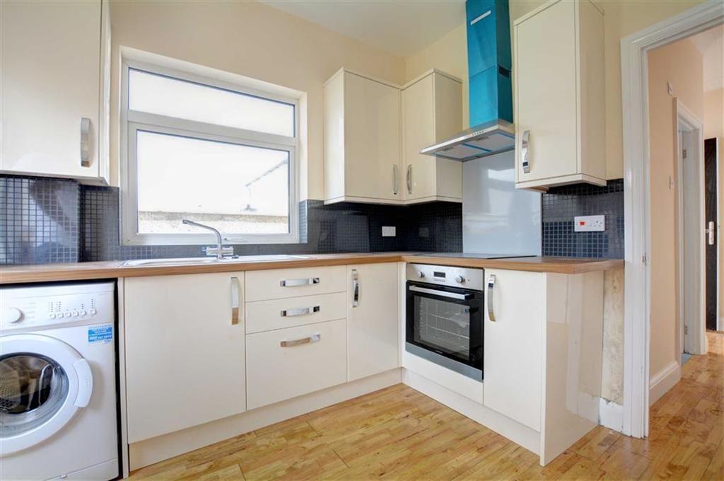 2 Bedrooms Semi Detached Bungalow for sale in Court Road, Orpington, Kent