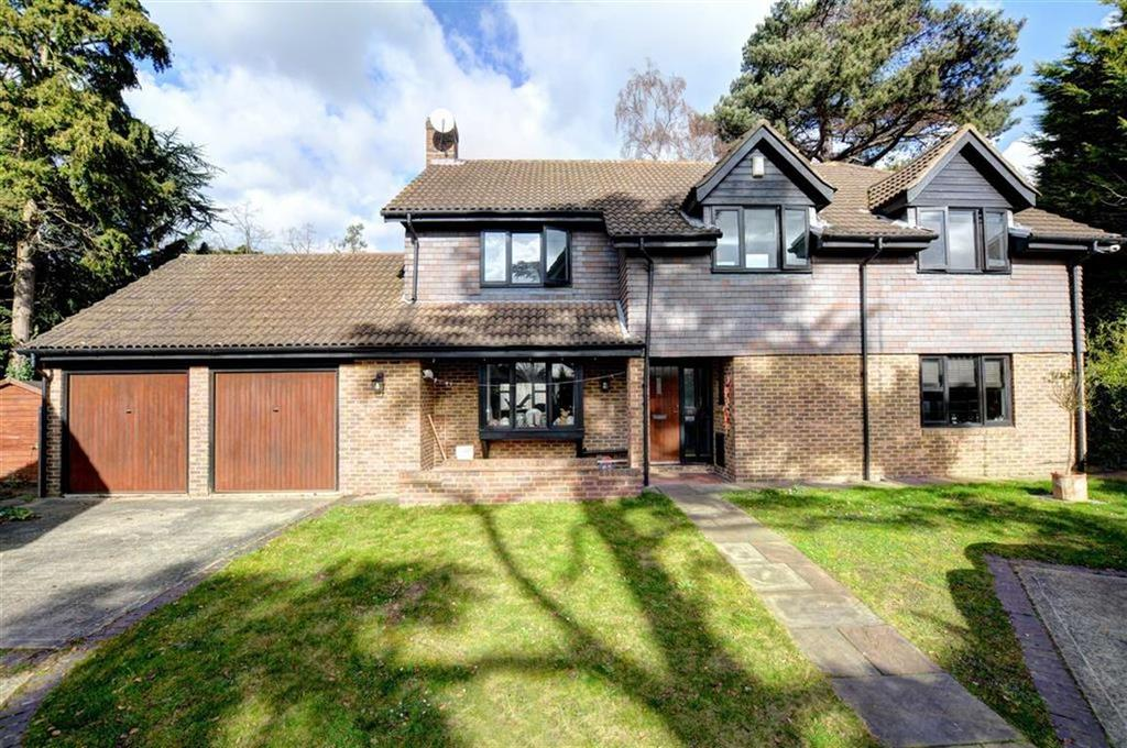 5 Bedrooms Detached House for sale in Cromlix Close, Chislehurst, Kent