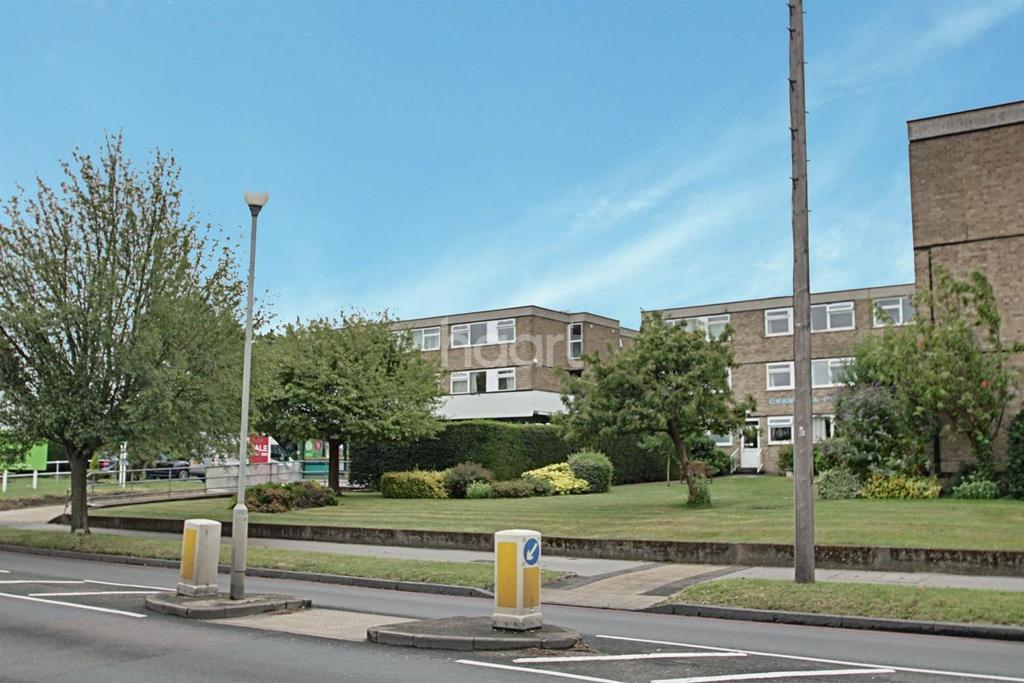 2 Bedrooms Flat for sale in Cranwell Court, Wickham Road, Croydon, CR0