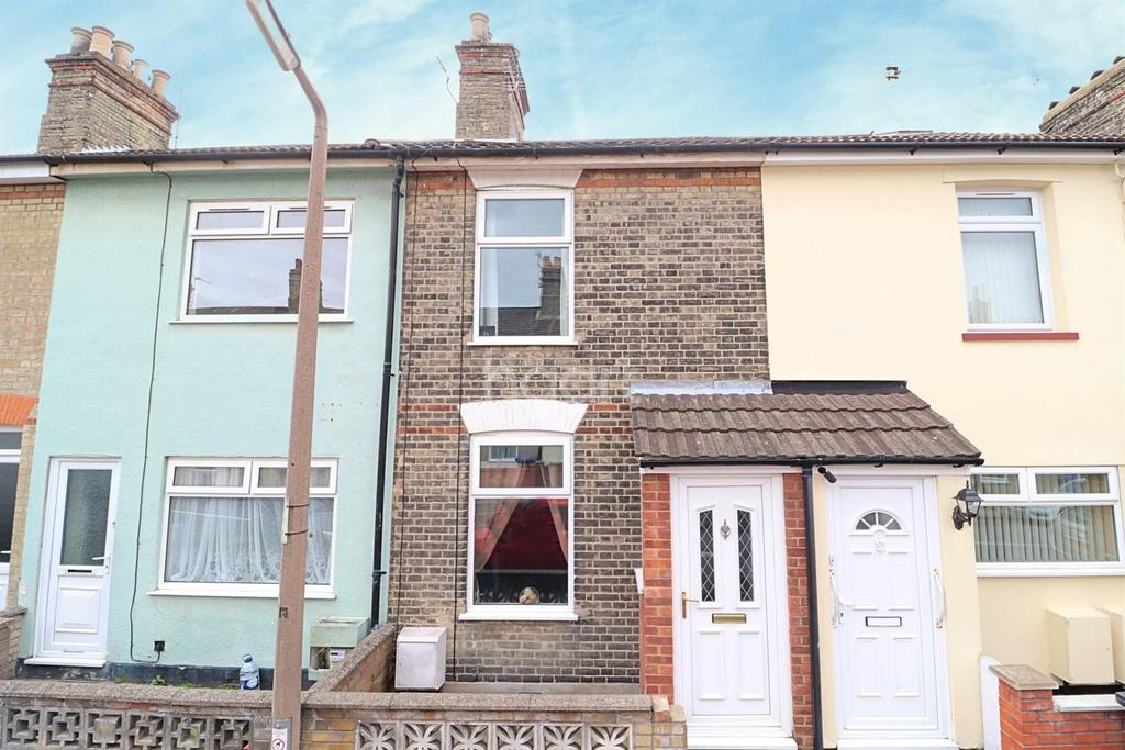 3 Bedrooms Terraced House for sale in Queens Road, Lowestoft