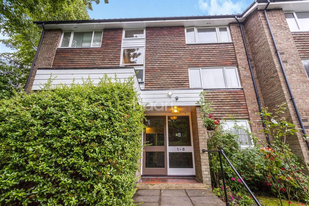 1 Bedroom Flat for sale in Freethorpe Close, Upper Norwood, SE19