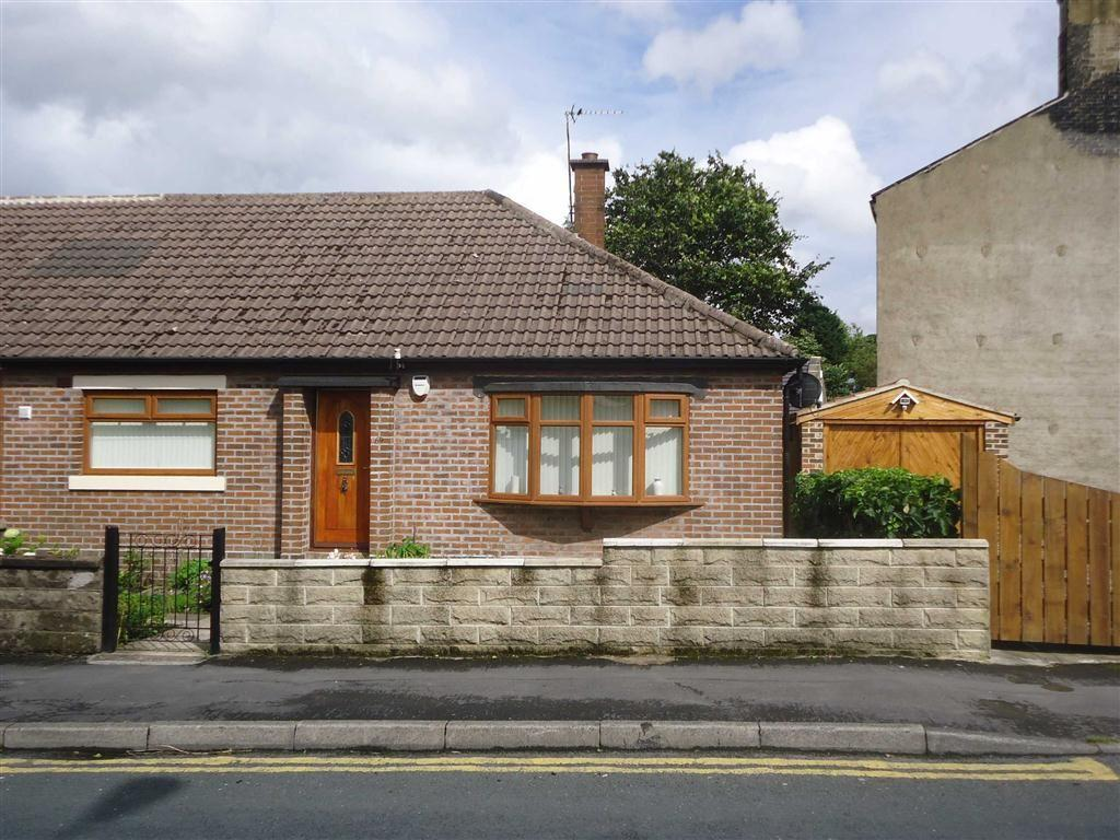 3 Bedrooms Semi Detached Bungalow for sale in Speeton Avenue, Bradford, West Yorkshire, BD7