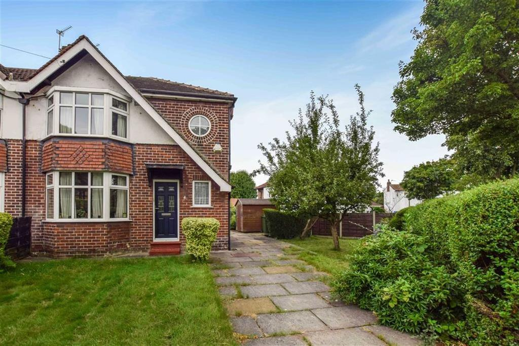 3 Bedrooms Semi Detached House for sale in Taunton Avenue, Urmston, Manchester