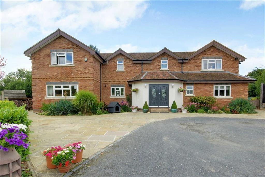 5 Bedrooms Detached House for sale in Bulls Lane, Bell Bar, Hertfordshire