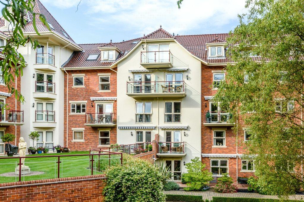 3 Bedrooms Flat for sale in Apartment 5G, Sheringham House, Cremers Drift, Sheringham, NR26