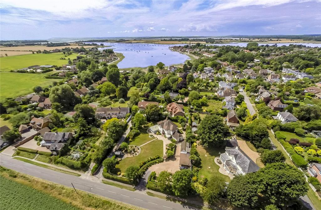 4 Bedrooms Detached House for sale in Taylors Lane, Bosham, Chichester