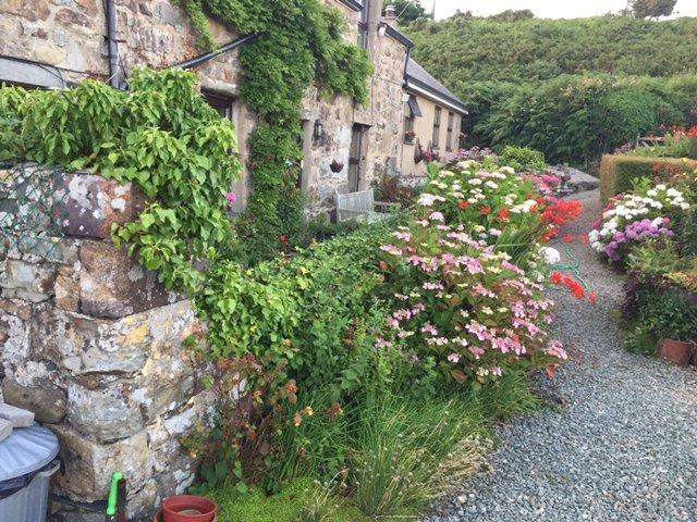 4 Bedrooms Detached House for sale in Bwlchtocyn, Pwllheli, Gwynedd