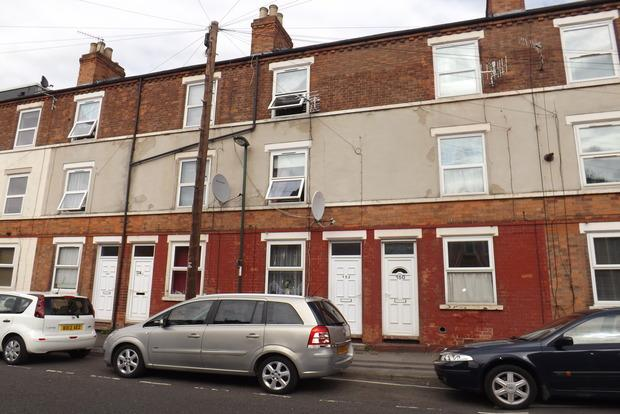 3 Bedrooms Terraced House for sale in Forster Street, Radford, Nottingham, NG7