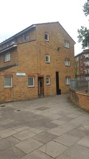 4 bedroom house to rent - Wesley Close, London SE17