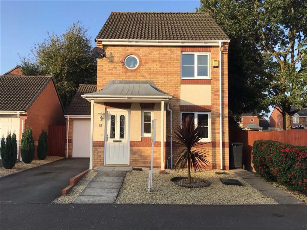 3 Bedrooms Detached House for sale in Larkspur Grove, Bedworth, Warwickshire, CV12