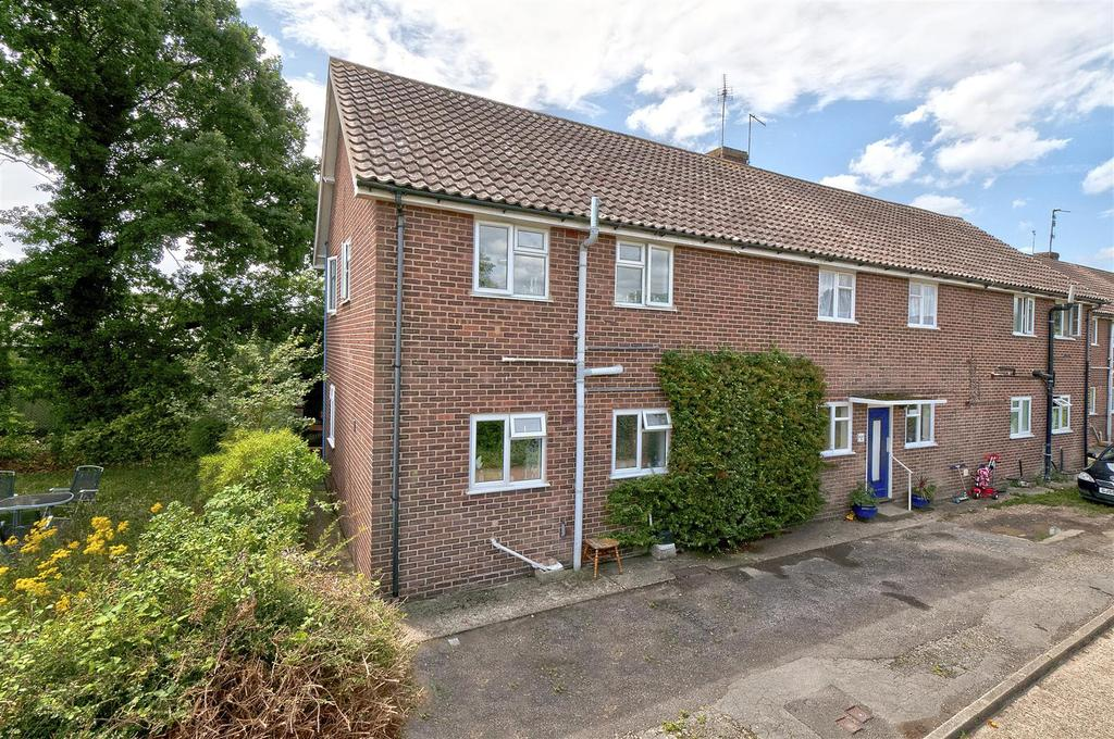 2 Bedrooms Apartment Flat for sale in St. Andrews Road, Paddock Wood, Tonbridge
