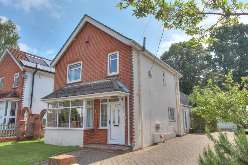 3 Bedrooms Detached House for sale in Mead Road, Chandlers Ford