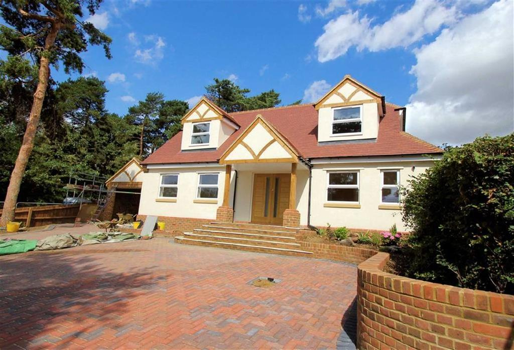 4 Bedrooms Detached House for sale in Heathbrow Road, Oaklands, Welwyn AL6 0QG