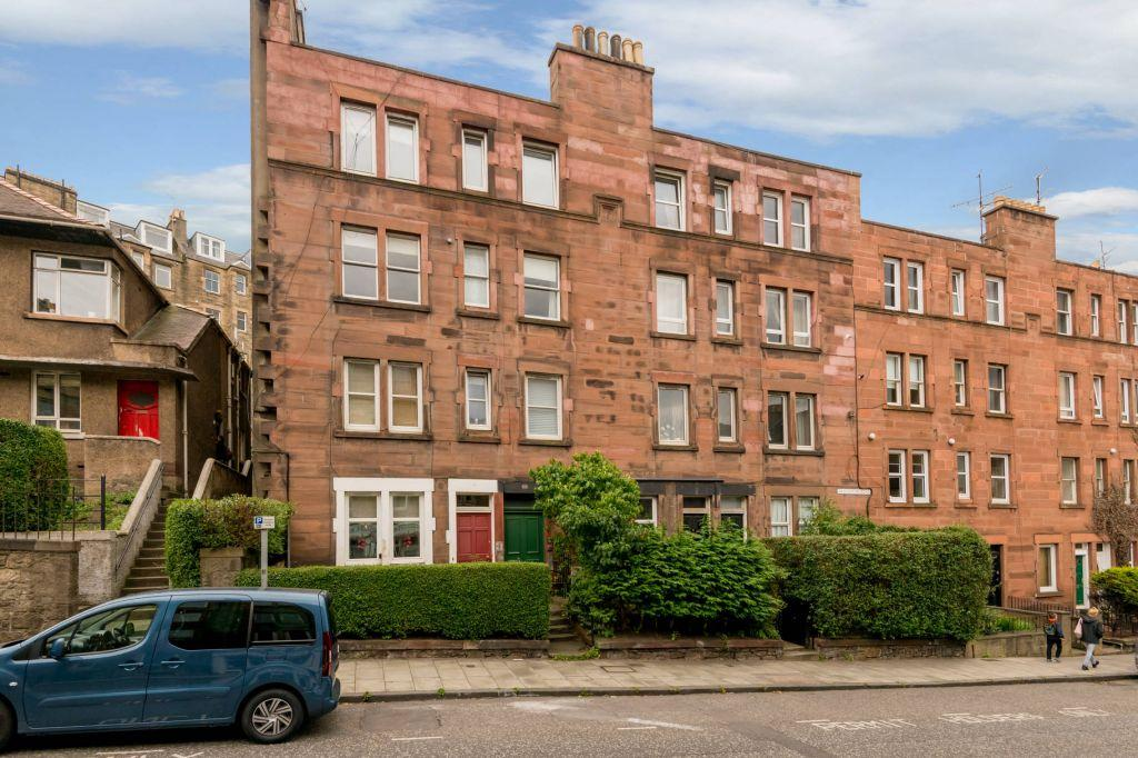 1 Bedroom Flat for sale in 92 (1F2), Broughton Road, Edinburgh, EH7 4JL