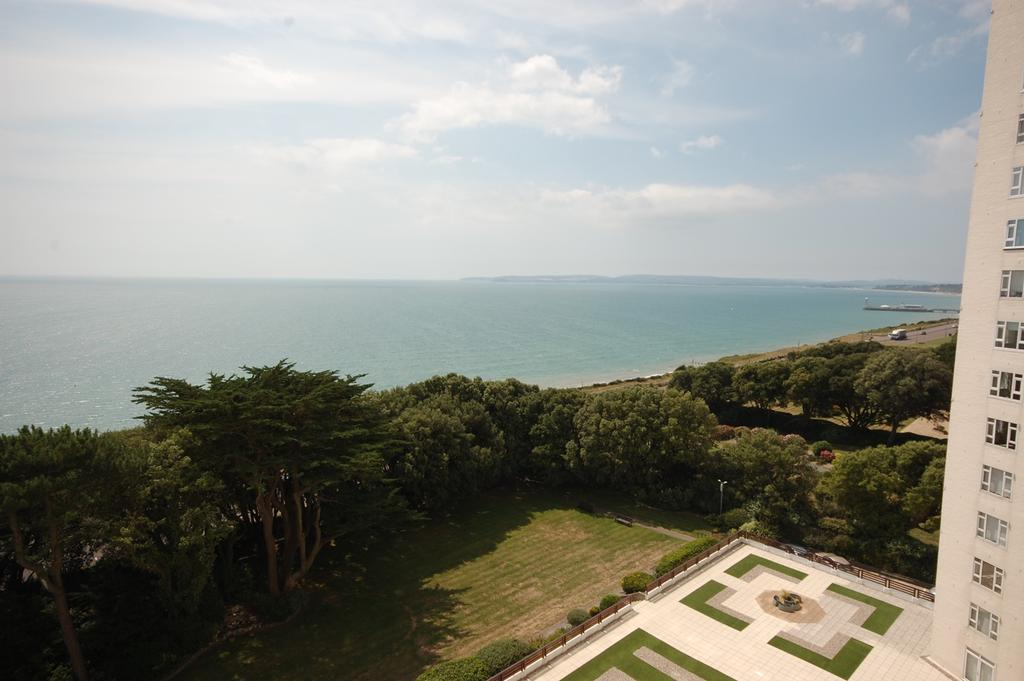 2 Bedrooms Apartment Flat for sale in Albany, Manor Road, Bournemouth BH1