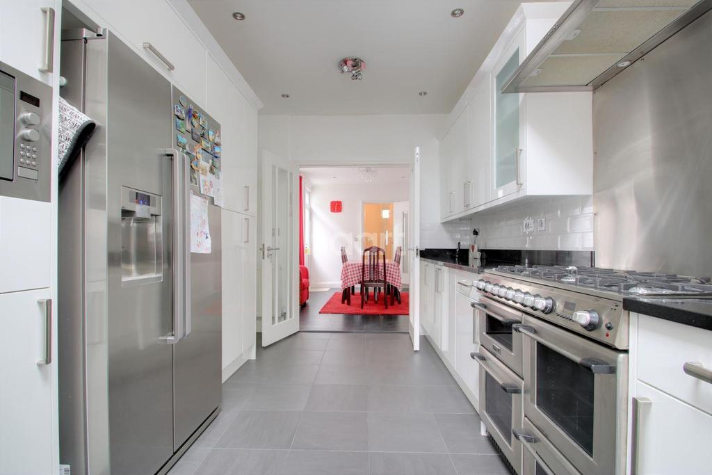 5 Bedrooms Terraced House for sale in Wanlip Road, Plaistow