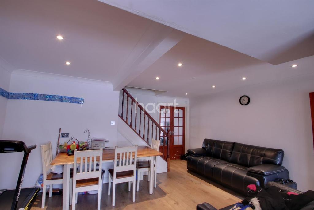 3 Bedrooms End Of Terrace House for sale in Boarlands Close