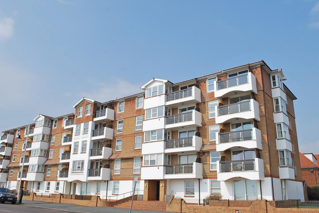 3 Bedrooms Flat for sale in Berkeley Court, The Esplanade, Bognor Regis, PO21