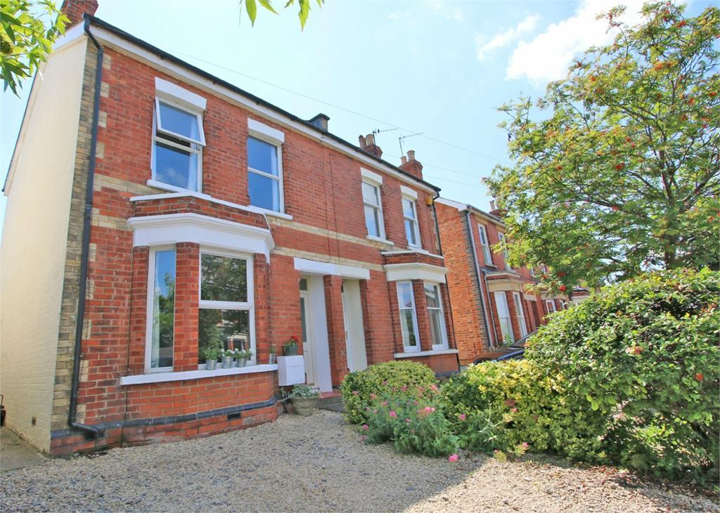 3 Bedrooms Semi Detached House for sale in Church Road, Cheltenham