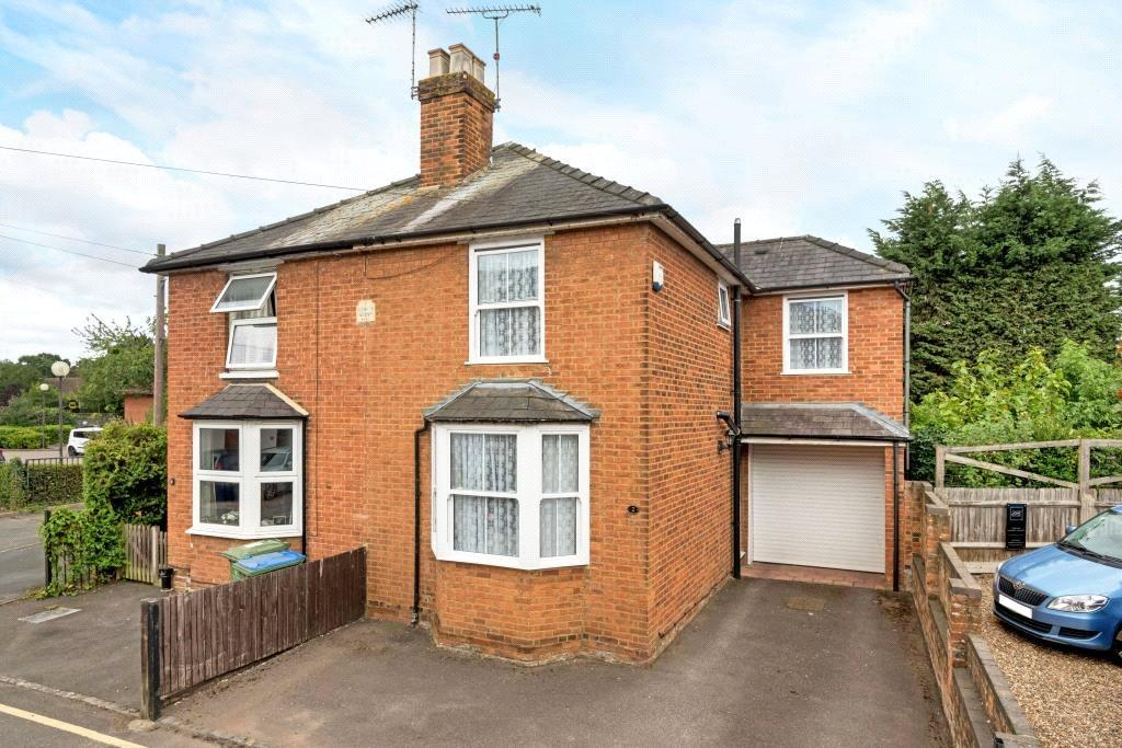 3 Bedrooms Semi Detached House for sale in Hogshill Lane, Cobham, Surrey, KT11