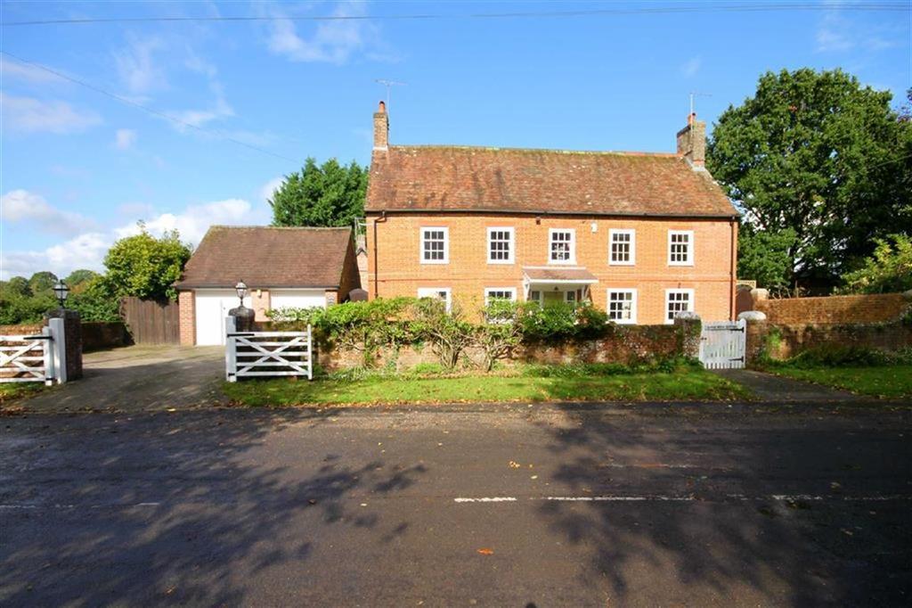 3 Bedrooms Detached House for sale in Old Ham Lane, Wimborne, Dorset