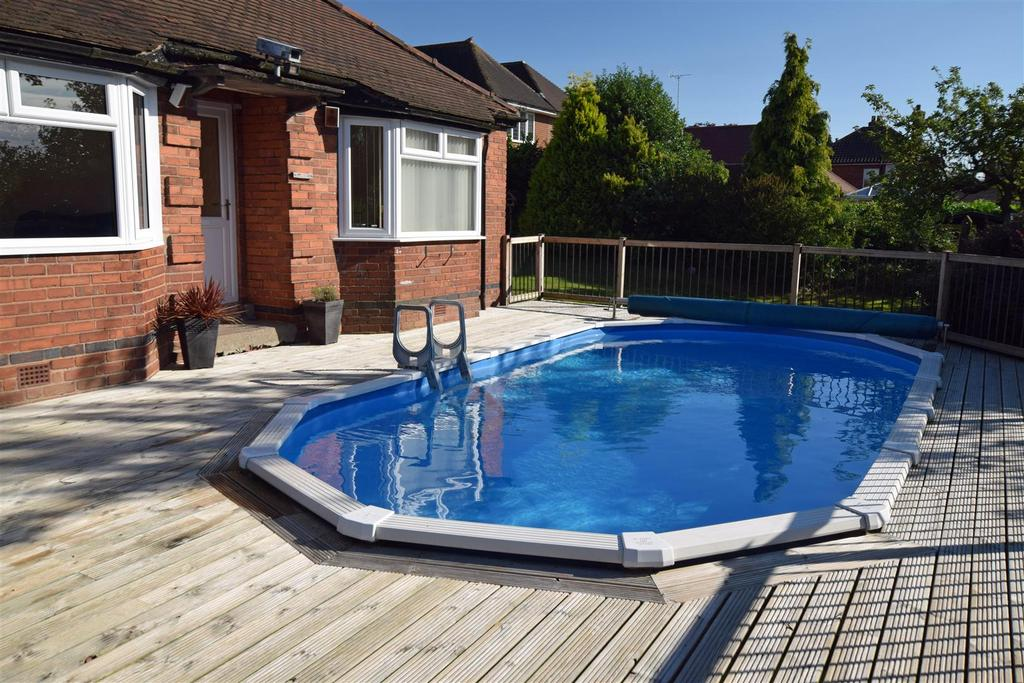 3 Bedrooms Detached Bungalow for sale in Station Road, Ollerton, Newark