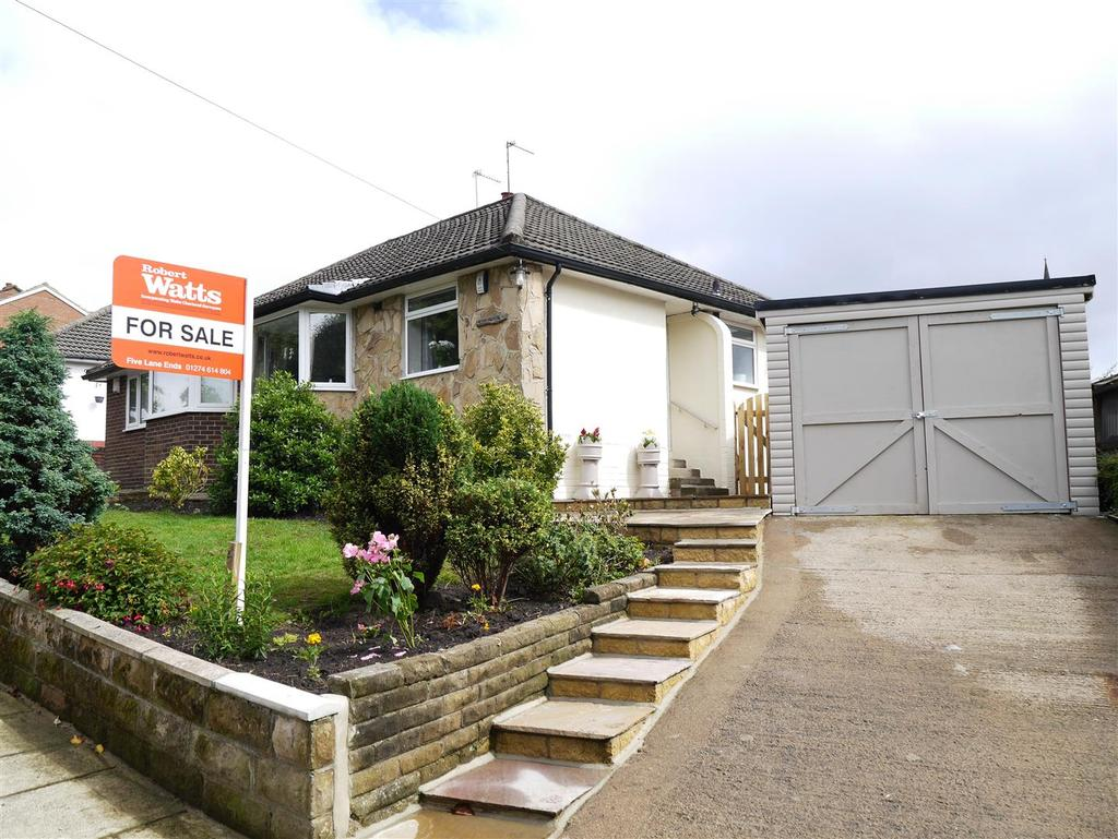 2 Bedrooms Semi Detached Bungalow for sale in Kingsdale Crescent, BD2 4DA