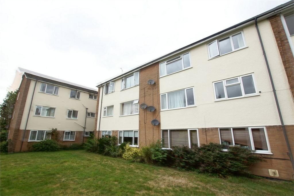 2 Bedrooms Flat for sale in Charles Court, Charles Street, Warwick