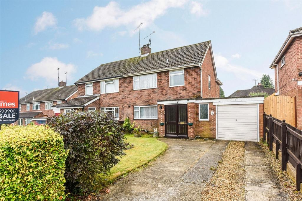 3 Bedrooms Semi Detached House for sale in Bolle Road, ALTON, Hampshire