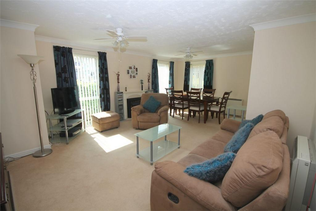 2 Bedrooms Retirement Property for sale in Parkland Grove, Ashford, Surrey