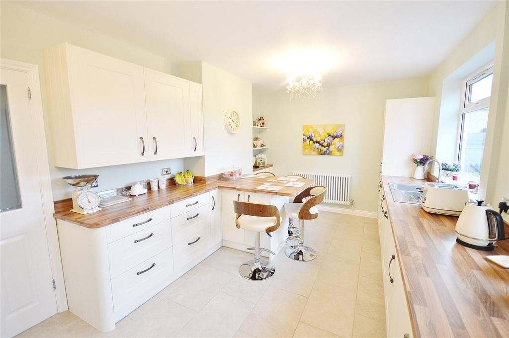 3 Bedrooms Terraced House for sale in Sheepcot Lane, Garston, Hertfordshire, WD25