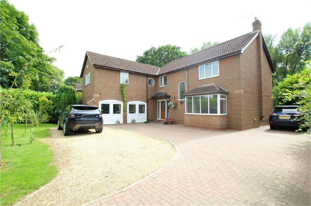 4 Bedrooms Detached House for sale in Welton Low Road, Elloughton, Brough, East Riding of Yorkshire
