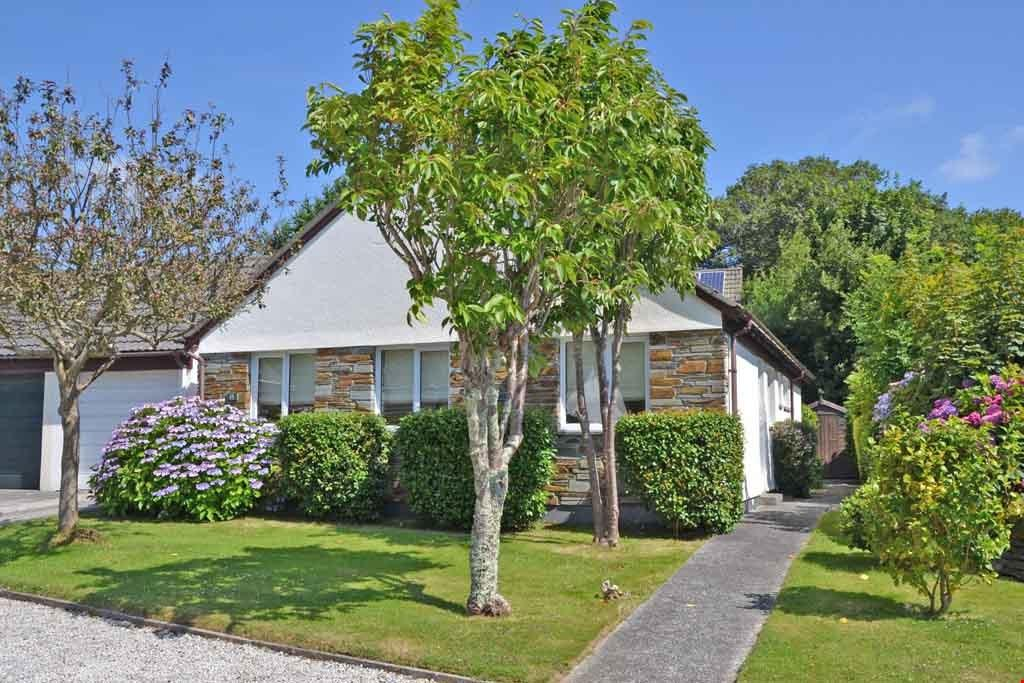 3 Bedrooms Detached Bungalow for sale in Mylor Bridge, Nr. Falmouth, South Cornwall, TR11