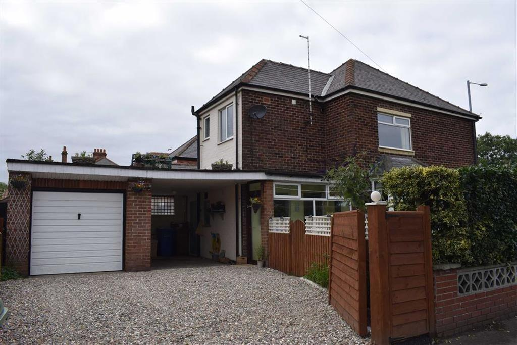 3 Bedrooms Semi Detached House for sale in Bessingby Road, Bridlington, East Yorkshire, YO15