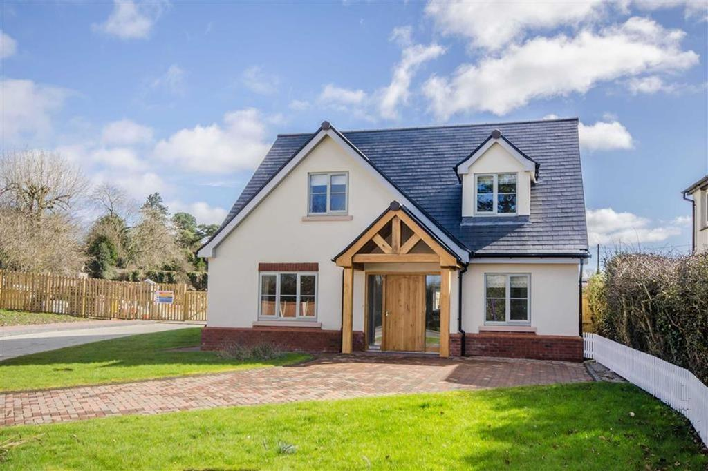 4 Bedrooms Detached House for sale in Village Road, Lixwm, Holywell