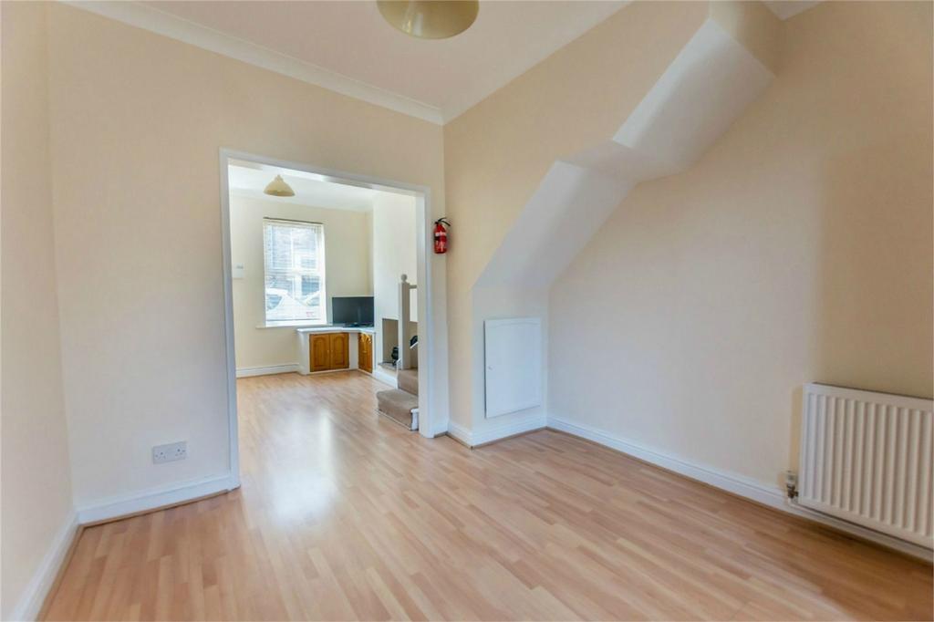 3 Bedrooms Terraced House for sale in Ashville Street, York