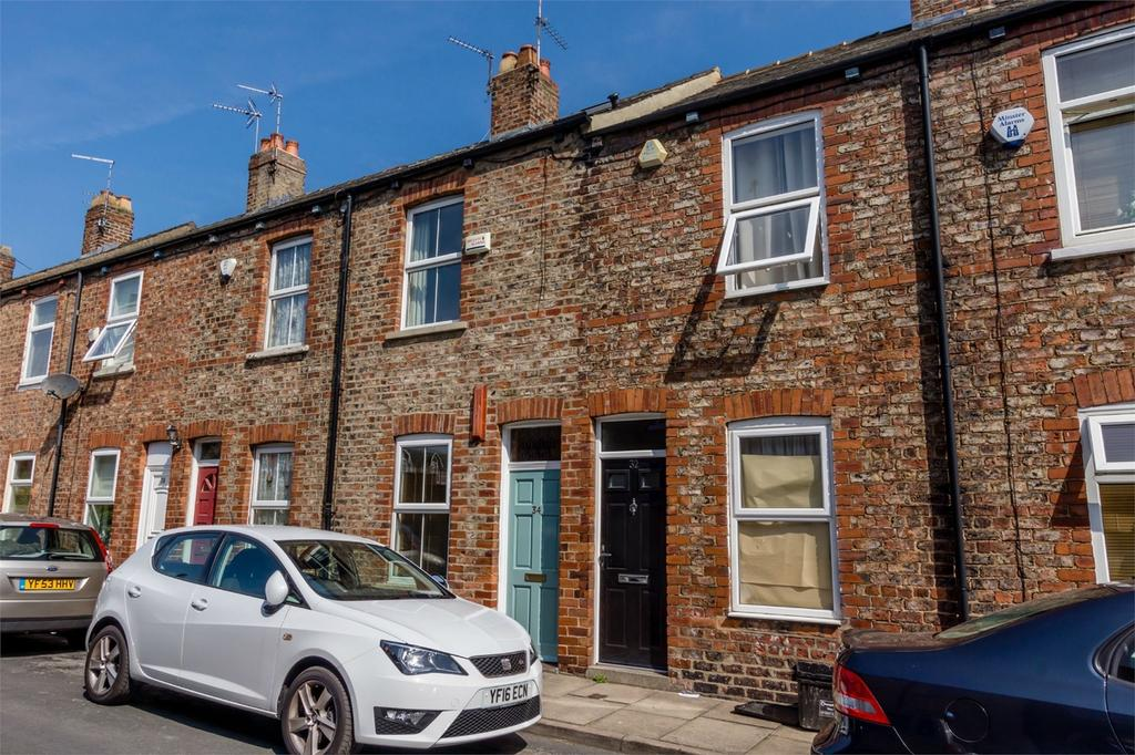 3 Bedrooms Terraced House for sale in Ashville Street, York