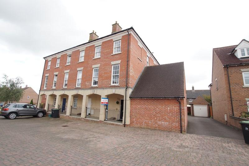 4 Bedrooms Town House for sale in Cobham Road, Blandford Forum
