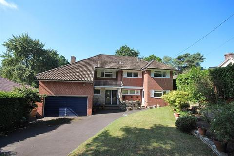 5 bedroom detached house for sale - High Park Road, Broadstone