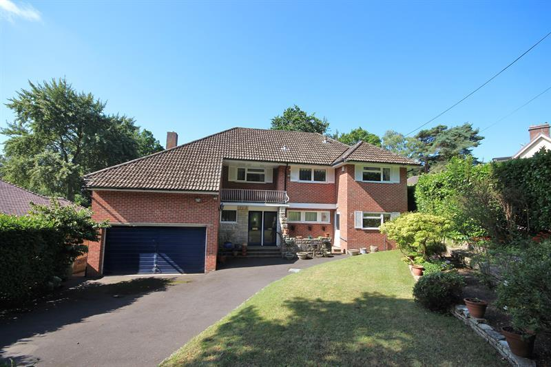 5 Bedrooms Detached House for sale in High Park Road, Broadstone