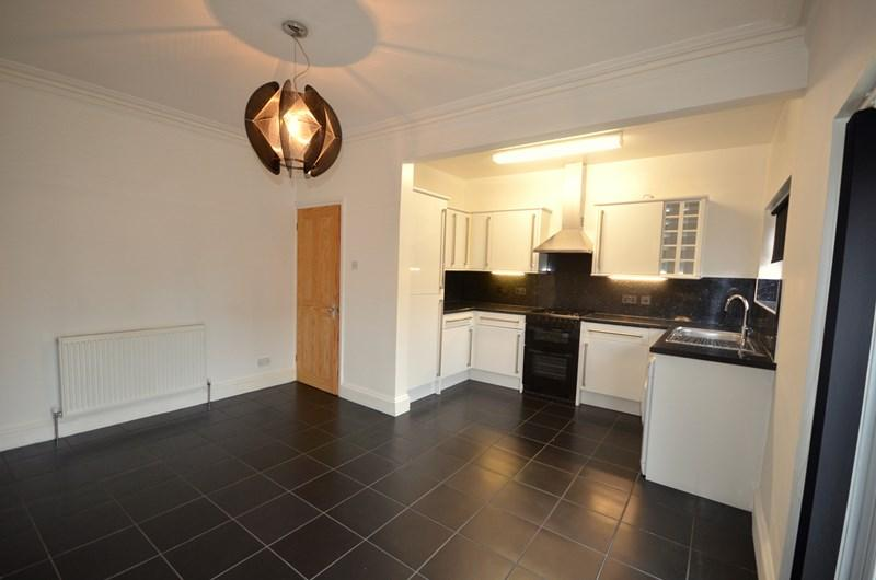 3 Bedrooms Terraced House for sale in Dover Road, Baffins, Portsmouth