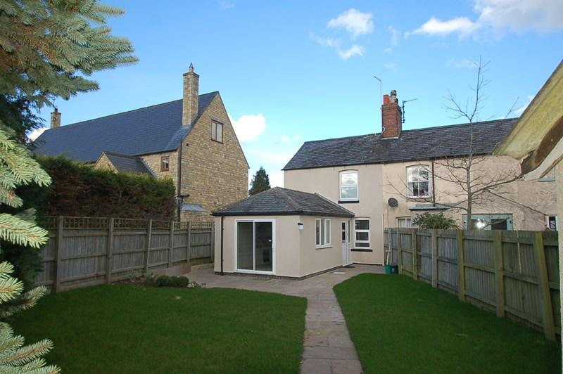 2 Bedrooms Cottage House for sale in Glapthorn, Nr Oundle, PE8