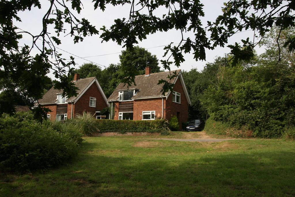 3 Bedrooms Link Detached House for sale in Playford, Nr Woodbridge, Suffolk